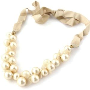Asymmetrical Pearl Necklace with Ribbon Tie